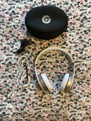 Beats Solo 3 Used Gold for Sale in Egg Harbor Township, NJ