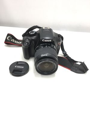 Canon EOS Rebel T3 12.2MP Digital SLR Camera Black w/ Canon zoom lens 18-55mm & Charger for Sale in Revere, MA