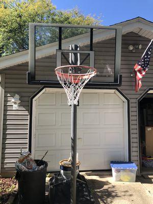 Basketball Hoop - Reebok for Sale in Hoffman Estates, IL