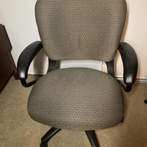 DESK/OFFICE CHAIR for Sale in Santa Ana, CA