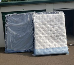 Queen Mattress with boxspring new for Sale in East Haven, CT