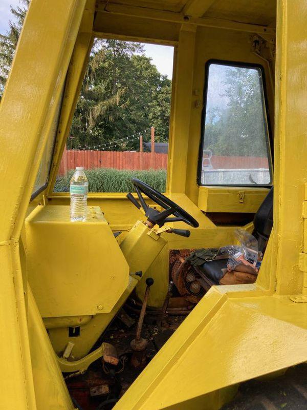 Tractor case backhoe extendable payloader diesel