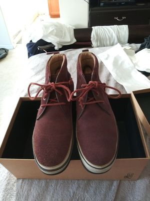 MEN'S SIZE (9) **NORDSTROM EXCLUSIVE** JOHN VARVATOS SUEDE BURGUNDY CHUKA BOOT for Sale in San Leandro, CA