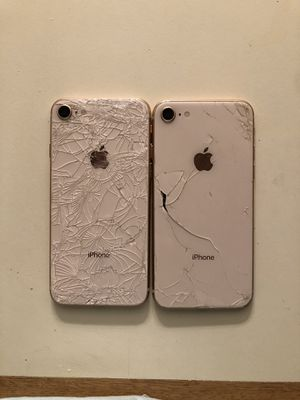 iPhone 8 for parts for Sale in Wenatchee, WA