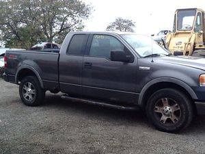 2004 Ford F-150 extended Cab 5.4 FOR PARTS for Sale in Philadelphia, PA