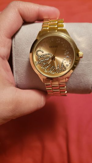 New Watch guess color gold stainless steel for Sale in Wichita, KS