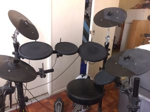 Simmons electric drum set for Sale in Fullerton, CA