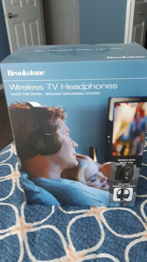 Brookstone wireless tv headphones 2.4ghz for Sale in Plainfield, IL