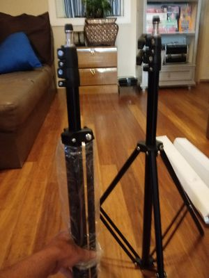 Large photography backdrop stand with 2 backdrop cloths for Sale in Payson, AZ