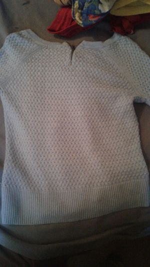 American Eagle Outfitters Sweater for Sale in Leavenworth, WA