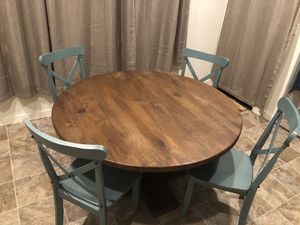 Round kitchen table for Sale in Warren, OR