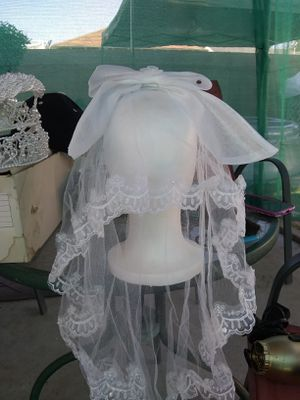 Girls holy communion veil for Sale in Montebello, CA