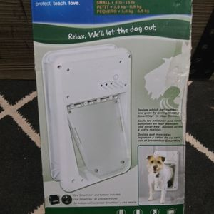 SmartDoors Doggy Door for Sale in Oklahoma City, OK