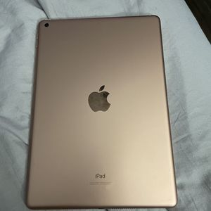 32GB iPad 7 Generation for Sale in Capitol Heights, MD