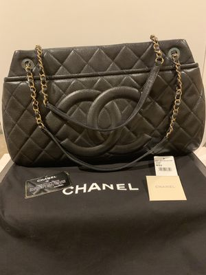 Chanel CC Quilted Black Caviar tote shoulder EW large bag for Sale in La Jolla, CA