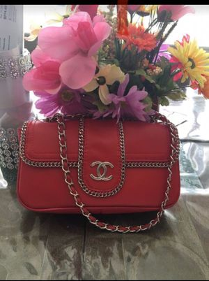 Red sling bag for Sale in Kent, WA