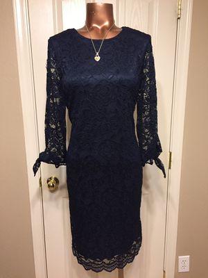 LIZ CLAIBORNE ♥️lace dress size 6 for Sale in Maricopa, AZ