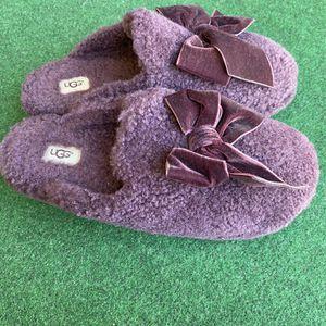 Ugg's Velvet Blow Slippers for Sale in Torrance, CA