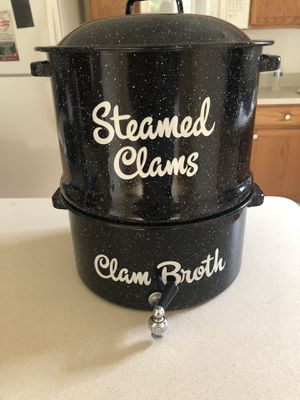 MUST GO: Granite Ware Decorated Clam and Lobster Steamer Pot for Sale in Neptune City, NJ