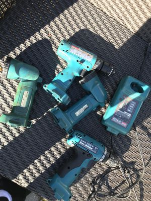 Makita Tools: 2 drills, 2 flashlights, 1 charger. Take all for $50 now! for Sale in Beverly Hills, MI