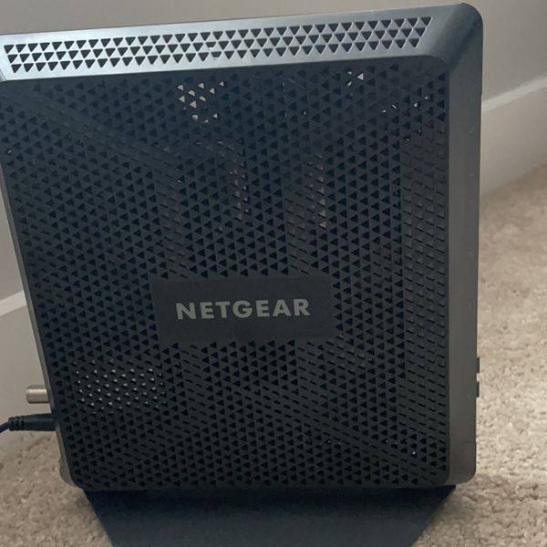 NETGEAR Nighthawk Cable Modem Wi-Fi Router Combo C7000 (version 2)