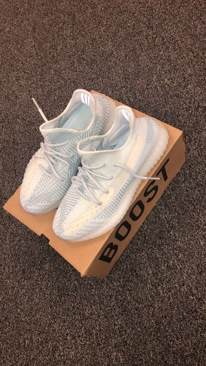 """Yeezy boost 350 v2 """"Cloud white"""" for Sale in Frisco, TX"""