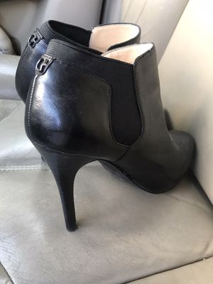 GUESS heels size 9M black for Sale in Rolling Meadows, IL