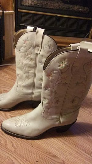 Ladies Wranglers Leather boots size 9 for Sale in Farmville, VA