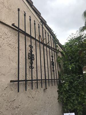 Iron security windows 7 pices for Sale in Orlando, FL