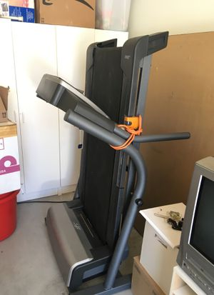 NordicTrack ViewPoint 2800 treadmill for Sale in San Diego, CA