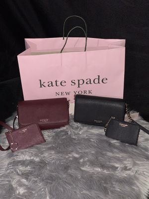 Kate spade crossbody purse with matching coin purse. Original for Sale in Paramount, CA