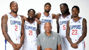 Los Angeles Clippers vs Houston Rockets for Sale in North Tustin, CA