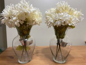 Pair of artificial flowers in vase. for Sale in Austell, GA