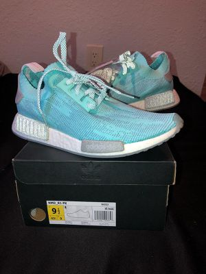 Adidas nmd size 9.5 for Sale in North Miami, FL