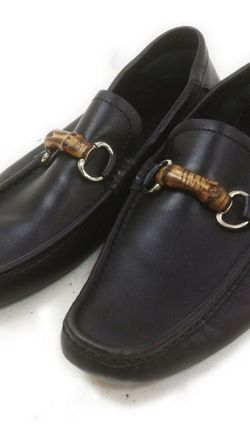 Authentic Gucci Flat Shoes Black Leather (calf) for Sale in Chicago,  IL