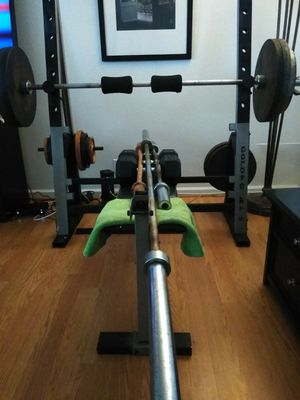 500 lbs weights.. Bench included.. curling bar and Olympic bar for Sale in Signal Hill, CA