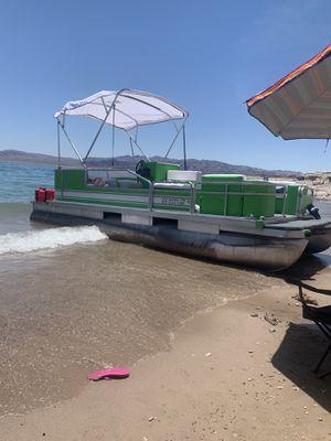 Suntracker Bass Buggy 20ft Pontoon Boat for Sale in Las Vegas, NV