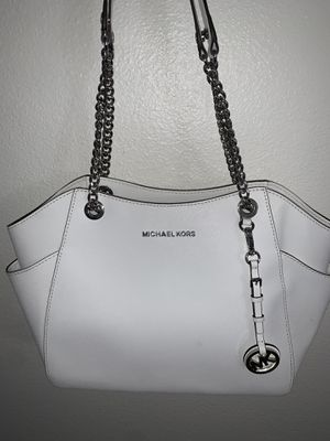 White Micheal Kors purse for Sale in Santa Ana, CA