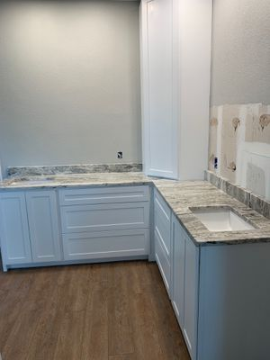 Cabinets costume STARTING price to $175 LINEAR foot for Sale in Houston, TX