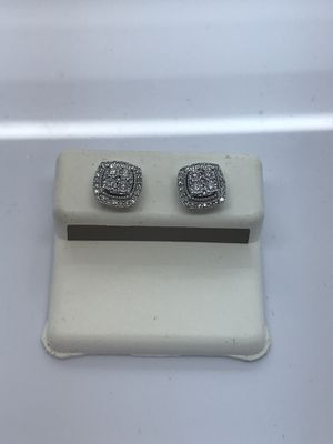 14k white gold earrings 0.33 carat diamonds new for Sale in Renton, WA