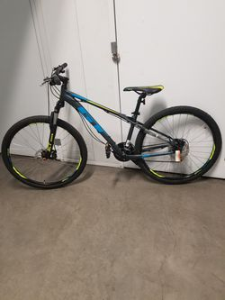 GT mountain Bike Size Small Wheels 27.5 Speeds 24 .. for Sale in Pasadena,  CA