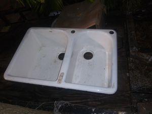 Ceramic kitchen sink for Sale in Miami Beach, FL