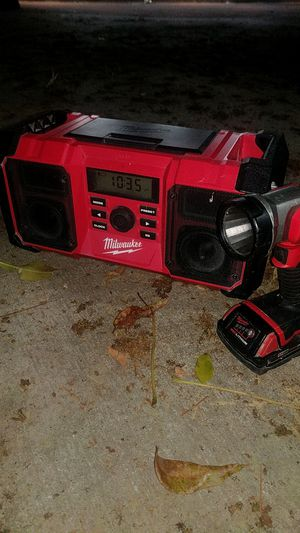 Milwaukee jobsite radio charger and flashlight for Sale in San Fernando, CA