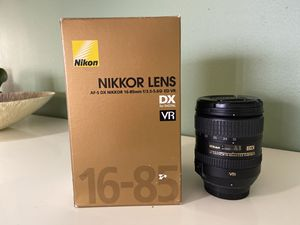 Nikon lens 16-85mm f3.5-5.6 G VR DX ED for Sale in Miami, FL
