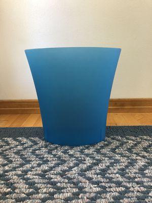 Oval blue indoor waste basket for Sale in Appleton, WI