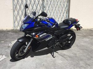 2013 Yamaha FZ 6R with 12k, clean title, new tires and oil change for Sale in Lauderdale Lakes, FL