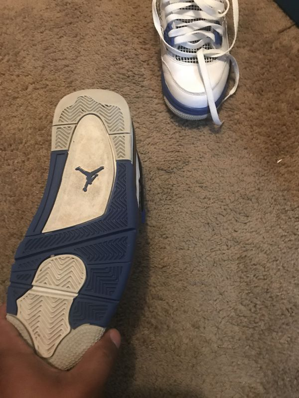 Like new Jordan flight 4, White, blue and black, in perfect conditions