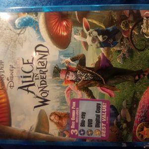 Alice In Wonderland Blu Ray + Digital Copy . $7 Bucks for Sale in Hawthorne, CA