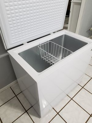 ICE COLD. Magic Chef 7.0 cu. ft. Chest Freezer for Sale in Winter Park, FL