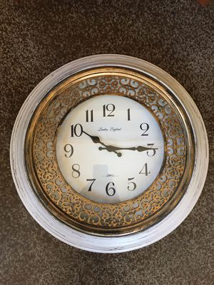 """Beautiful rustic wall clock. Battery operated. 20"""" diameter. Great condition! $12 FIRM for Sale in Vista, CA"""